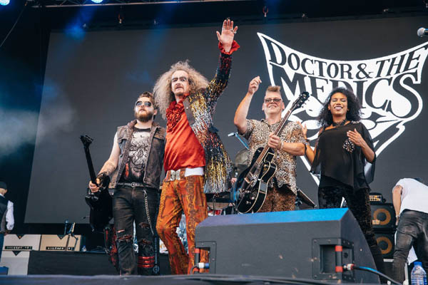 Dr & The Medics at Rewind North 2018
