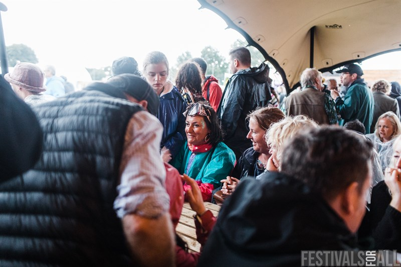 Sheltering from the rain at Standon Calling 2018